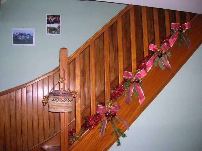 decoration escalier noel id e inspirante pour la conception de la maison. Black Bedroom Furniture Sets. Home Design Ideas