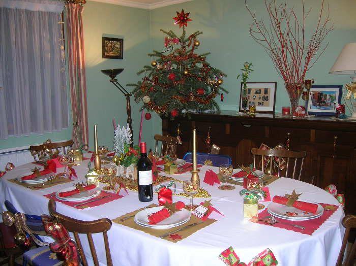Deco noel table rouge et or for Table noel rouge et blanc